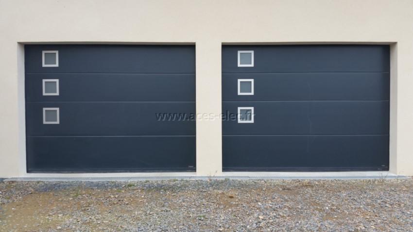 Porte de garage motorisée avec rail acier galvanisé retardateur d'effraction teinte gris anthracite ral 7016