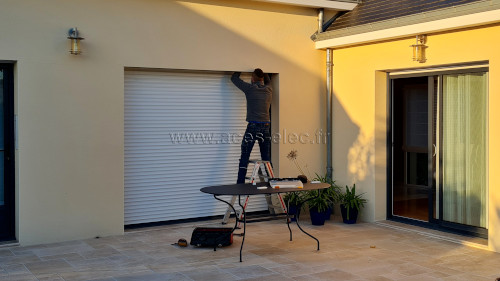Dépannages, réparations et pose de portail coulissant, de menuiseries extérieurs et d'automatismes de portes